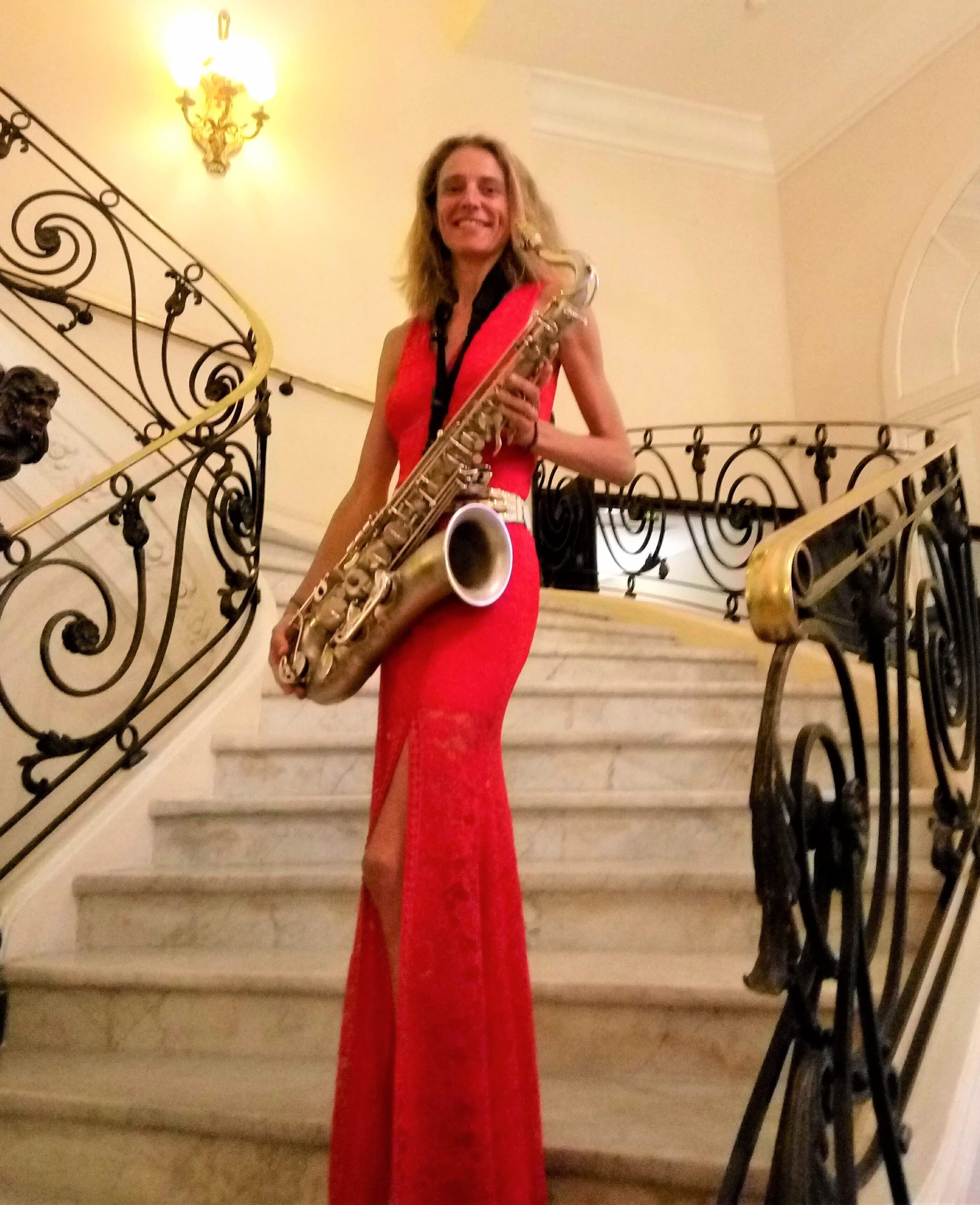 Naomi Adriaansz female saxplayer Carlton Cannes