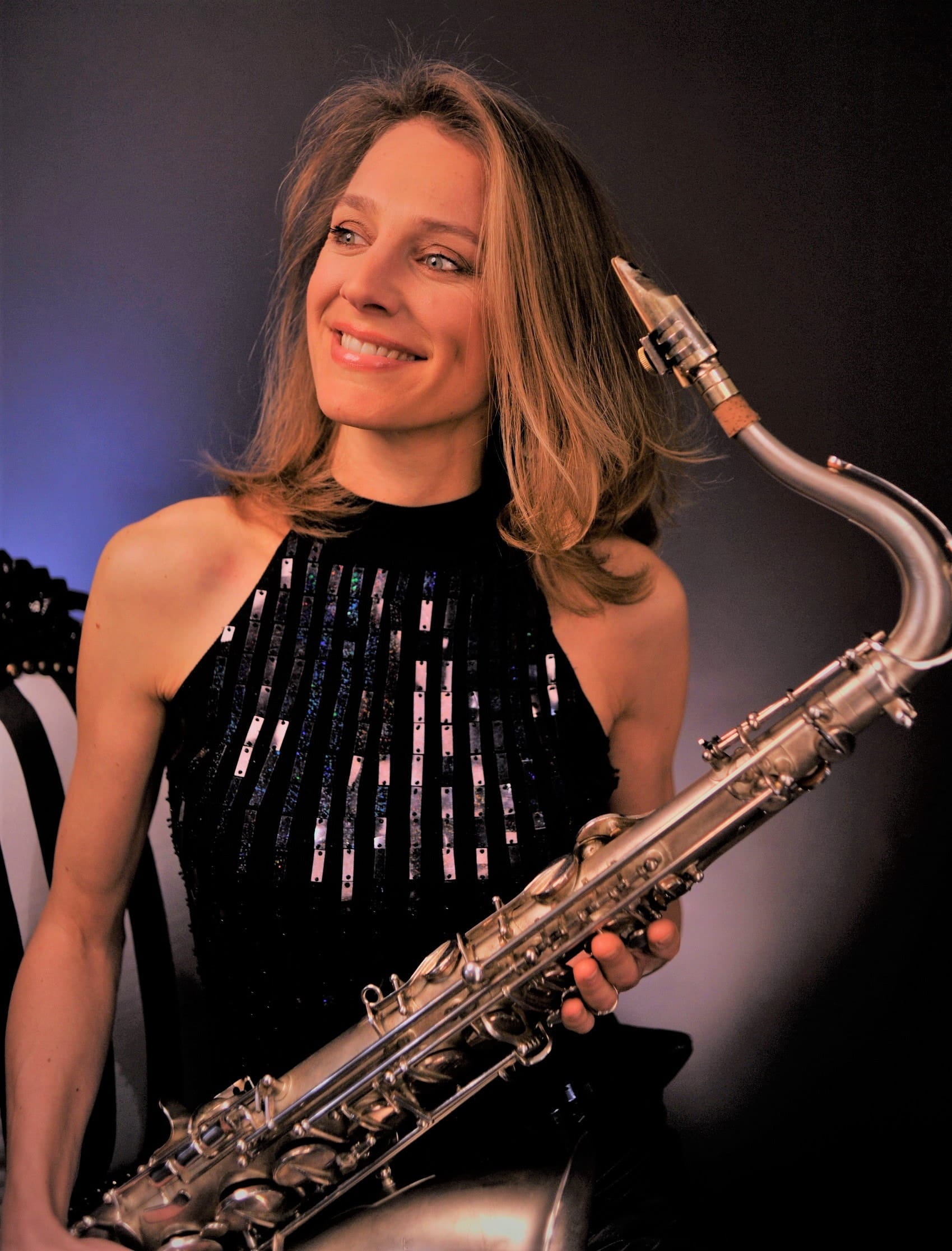 Naomi Adriaansz female saxplayer