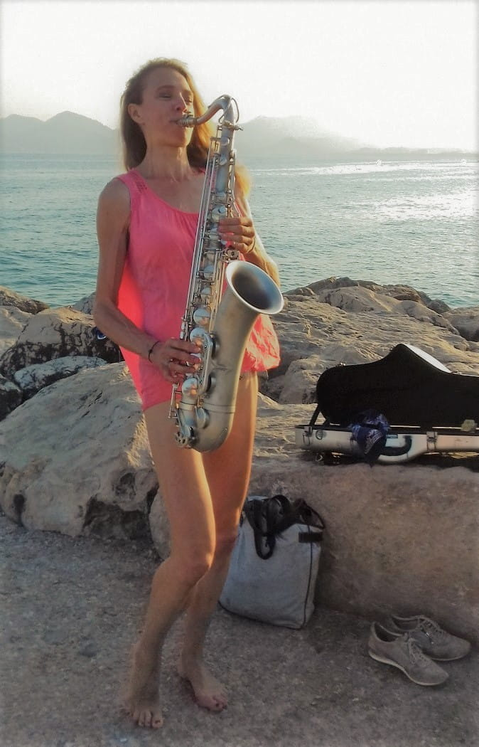 Naomi Adriaansz female saxplayer soul funk blues