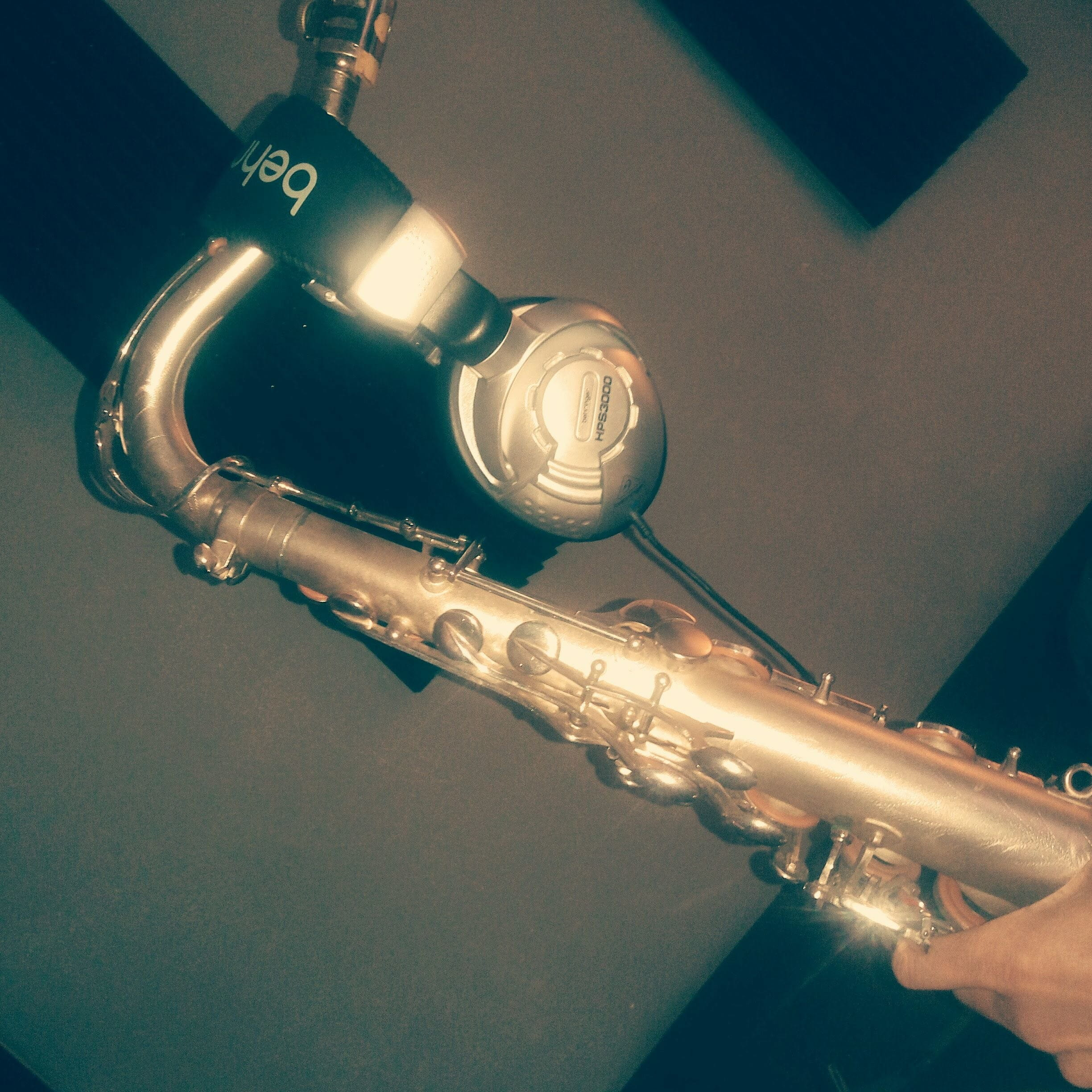 Studio recording Naomi female saxplayer Soundwise